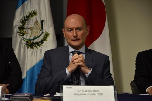El Representante del BID, Sr. Carlos Melo explicó la importancia de apoyar los proyectos culturales. (Foto: Selene Mejía/Soy502)