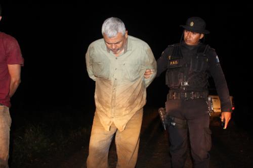 En un inicio el coronel dijo estar suspendido y luego afirmó estar activo. (Foto: PNC)