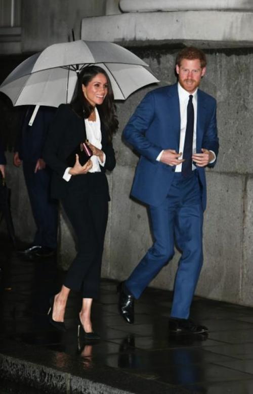 Meghan Markle luce fantástica con un traje de Alexander McQueen. (Foto: AFP/Getty Images)