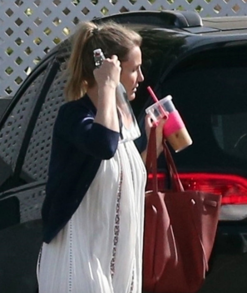 Según medios locales, la actriz ha intentado ocultar su embarazo. (Foto: Radar Online)