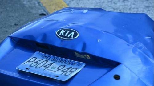 Coche bomba explota en carretera a Puerto de La Libertad, El Salvador