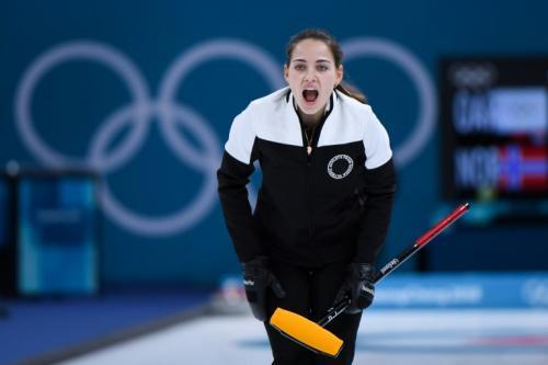 """La competidora empezará su participación por separado en """"curling"""" en busca de la medalla de oro. (Foto: AFP)"""