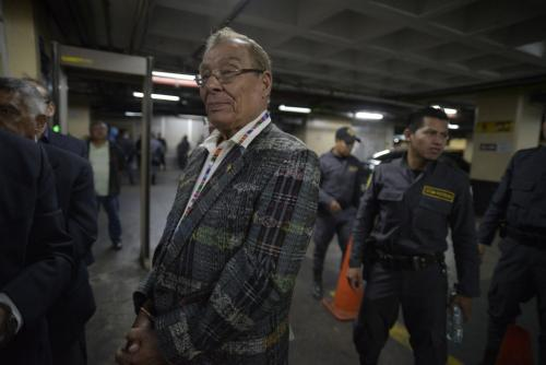 Ordenan prisión preventiva para Álvaro Colom — Guatemala