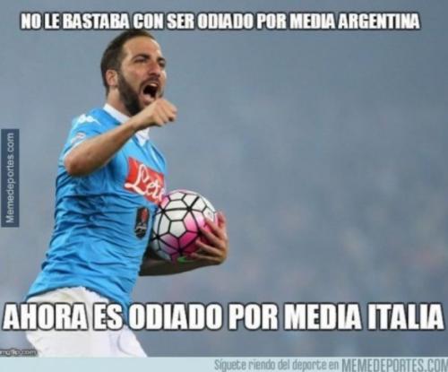 """El delantero argentino dice que estos """"memes"""" no le afectan."""