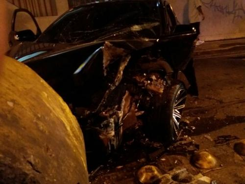 Así quedó el vehículo de lujo. (Foto: Amílcar Montejo/PMT)