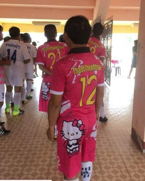 La imagen de Hello Kitty aparece en la camiseta y la pantaloneta. (Foto: Clarín)