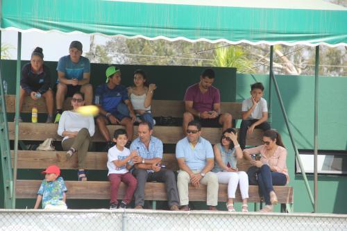 Varias personas llegaron para presenciar el cierre del I Ranking Nacional de Tenis. (Foto: Fredy Hernández/Soy502)