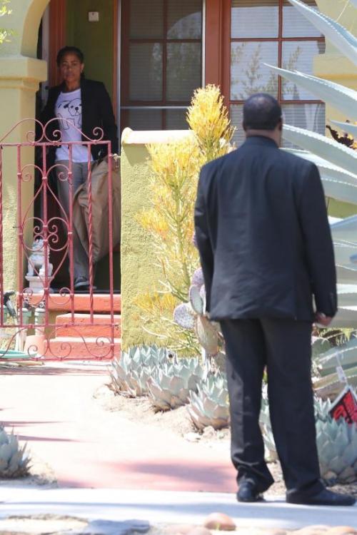 Un escolta fue a traer a la madre de Meghan Markle. (Foto: Univisión)