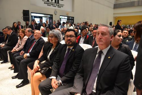El titular de Gobernación esperó al final del evento para reunirse en privado con la fiscal. (Foto: Jesús Alfonso/Soy502)