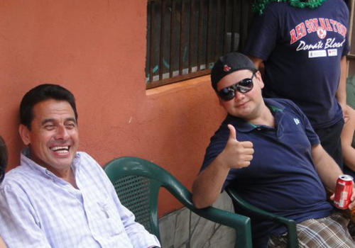 Reyes Álvarez durante un retiro juvenil. (Foto Facebook)