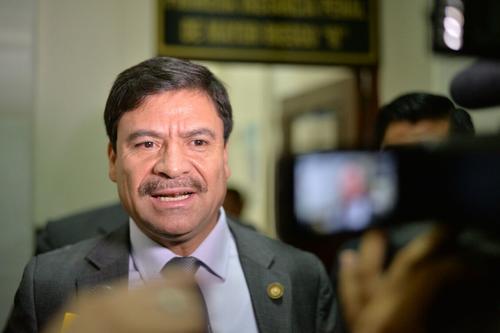 Rafael Rojas, presidente de la Corte Suprema de Justicia notificó personalmente al juzgado B de Mayor Riesgo que se habilitó la Sala de Vistas. (Foto: Wilder López/Soy502)