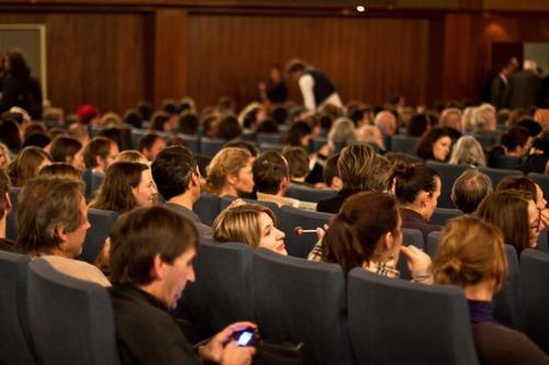 Las salas de cine se llenaron al ver la película guatemalteca. (Foto: This Human World)