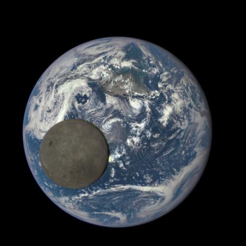 Algunos astrónomos piensan que la tierra y la luna son un sistema binario de planetas. (Foto: Cortesía Edgar Castro Bathen)