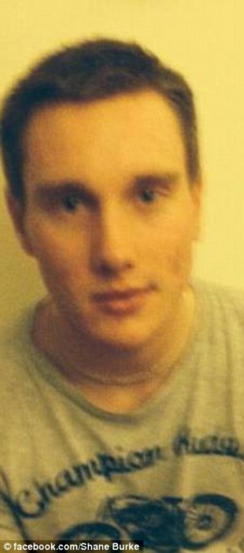 """Shane se está acostumbrando a tener una relación """"normal"""" con su madre biológica. (Foto: Daily Mail)"""