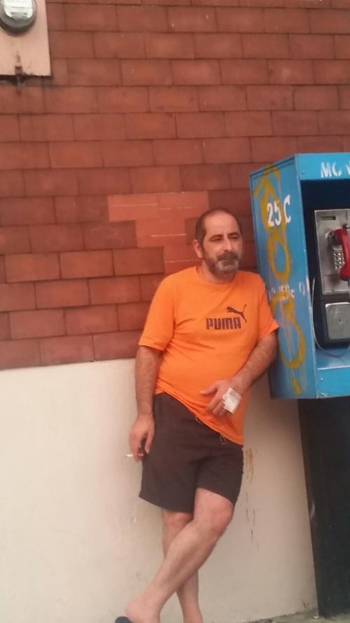 Osama Azziz Ezzat Aranki fue visto el lunes a eso de las 17 horas del lunes 5 de octubre en las afueras de un hospital de la zona 1. (Foto: Soy502)