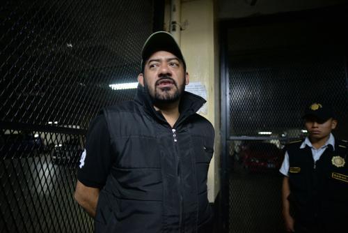 El fiscal Orlando López fue trasladado a las carceletas de Tribunales. (Foto: Wilder López/Soy502)