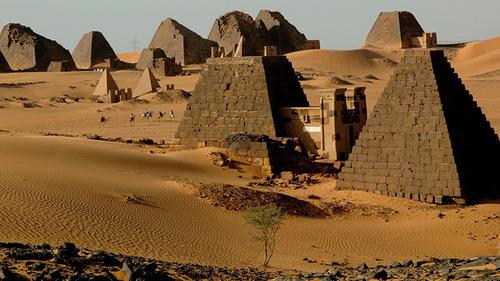 Esto es parte de las pirámides que se encuentran en Sudán y que muy pocas personas conocen. (Foto: AFP)