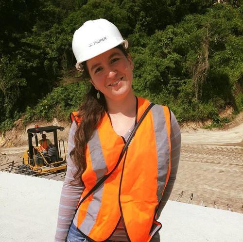 Eleonora Poitevin está próxima a graduarse de ingeniera civil. (Foto: Edgar Castro Bathen).