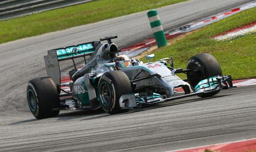 El piloto británico de Fórmula Uno, Lewis Hamilton, en la carrera de Sepang. (Foto: EFE)