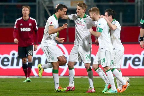 Aaron Hunt (14) es el capitán del Werder Bremen, equipo que pertenece a la Bundesliga en Alemania. (Foto: EFE)