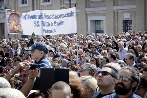El pontífice se dirigió a 50 mil fieles en la Plaza de San Pedro en el rezo del Ángelus. (Foto: EFE/Giuseppe Lami)