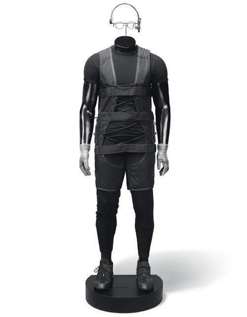 El traje lo llevaba el personaje de Ethan Hunt, interpretado por Cruise, cuando irrumpía en la sede de la Agencia Central de Inteligencia (CIA).