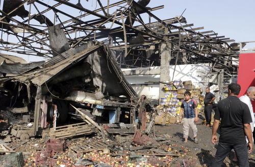 Más de 50 muertos y un centenar de heridos, tras atentado en mercado de Bagdad. (Foto: EFE)