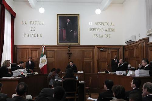 La aprobación del consumo de la marihuana fue consensuado durante una sesión de magistrados de la Suprema Corte de Justicia de la Nación. (Foto EFE)