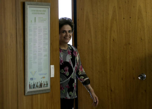 El ministro brasileño de salud, por su parte, afirmó que los científicos brasileños consideran que pueden desarrollar una vacuna en un año. (Foto: EFE)