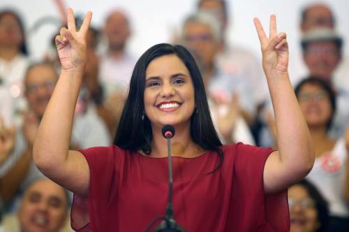 Verónika Mendoza del partido Frente Amplio, es la candidata más joven en la contienda. Tiene 35 años. (Foto: EFE)