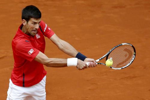 Djokovic se impuso pese a que Murray tuvo siete ocasiones de quebrar el juego. (Foto: EFE/Chema Moya)