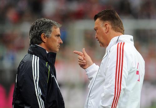 Imagen de 2010 durante un encuentro amistoso entre el Real Madrid de José Mourinho y el Bayern Munich de Louis van Gaal. (Foto: EFE)