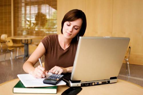 Todas las capacitaciones serán avaladas por alguna universidad española junto con Google. (Foto: becasinternacionales.net)