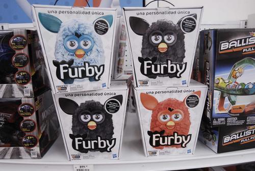 El encantador Furby esta causando furor está navidad entre los niños. (Foto: Jesús Alfonso/Soy502)