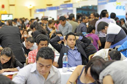 Muchos jóvenes se mostraban preocupados pues la oferta de empleo que encontraban no era la que buscaban. (Foto: Esteban Biba/Soy502)
