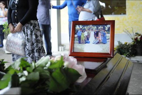 Edgar Pu perdió a 16 familiares durante la tragedia de El Cambray 2 y el miércoles le fue cancelado su contrato en el Congreso. (Foto: Archivo/Soy502)