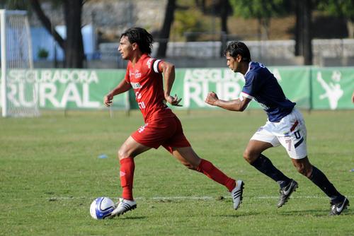 Malacateco se plantó bien en el estadio Revolución y la Usac controló el balón, pero no el marcador. (Foto: Nuestro Diario)