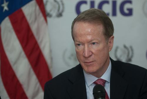El subsecretario de Estado para antinarcóticos y Seguridad, William Brownfield dijo que el trabajo de la CICIG no ha terminado.  (Foto: Jesús Alfonso/Soy502)
