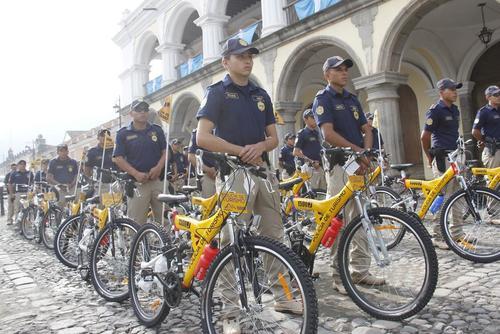 La ciudad colonial ya cuenta desde hace unos años de varios agentes que patrullan sobre dos ruedas. (Foto: Incguat)
