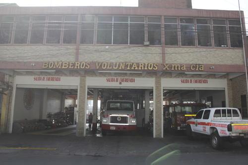 Una unidad de los bomberos voluntarios de la 10ma compañía fue asignada para cubrir la emergencia. (Foto: Fredy Hernandez/Soy502)
