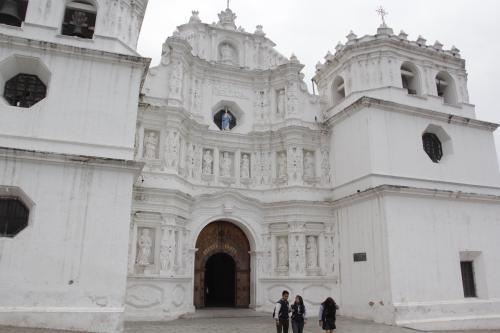 Las autoridades de protección civil también evaluaron el estado de la Catedral de Ciudad Vieja. (Foto: Fredy Hernández/Soy502)
