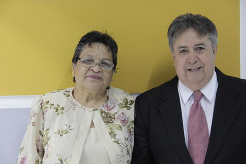 Clara Juarez y Luis Cot registraron legalmente su matrimonio luego de 38 años juntos. (Foto: Javier Lainfiesta/Soy502)