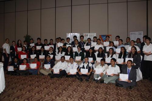 Todos los participantes recibieron un diploma por su participación en la competición nacional. (Foto: Fredy Hernández/Soy502)