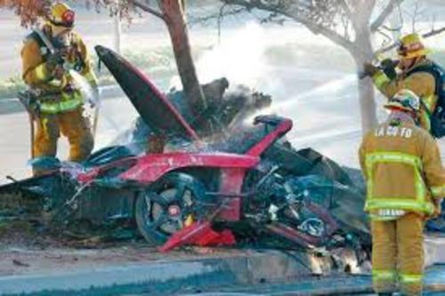 Walker falleció junto al piloto profesional Roger Rodas, quien conducía el vehículo. (Foto: provincia.com.mx)
