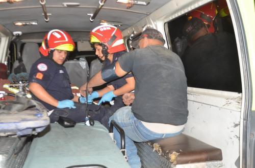 El piloto de origen salvadoreño indicó que perdió el control debido a fallas mecánicas del cabezal. (Foto: Bomberos Municipales)