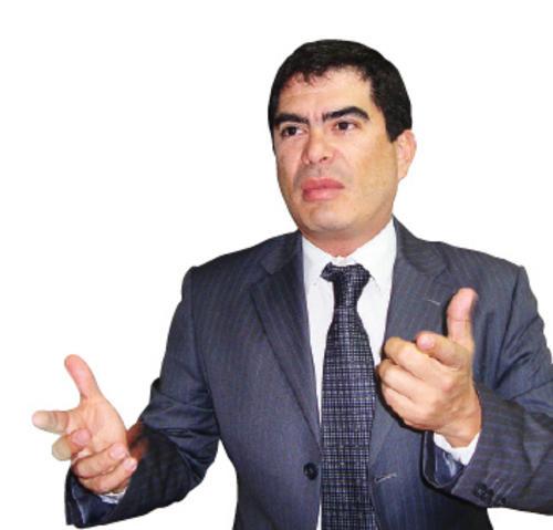 Miguel Gutiérrez fue el protagonista de un enfrentamiento con el ministro de Finanzas de aquel entonces, Pavel Centeno. (Foto: Revista Industria)