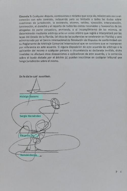 """Firmaron el """"Acuerdo"""" Hidalgo Socorro, Sergio Hernández, Eduardo Liu y Ronald García. (Foto: Soy502)"""