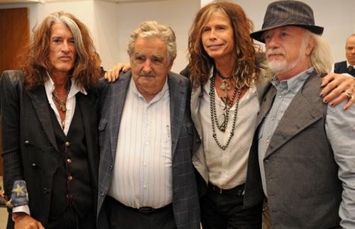 El exmandatario se ha ganado la admiración de artistas como la banda rockera Aerosmith. (Foto: Internet)