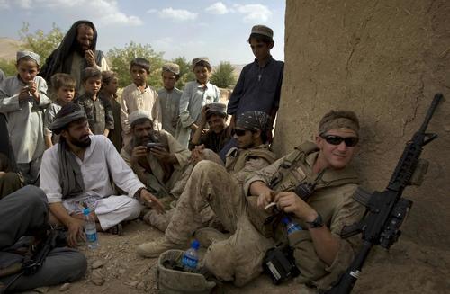 La Guerra de Afganistán comenzó el 7 de octubre de 2001 con la «Operación Libertad Duradera» del Ejército estadounidense y la «Operación Herrick» de las tropas británicas para invadir y ocupar el país asiático.
