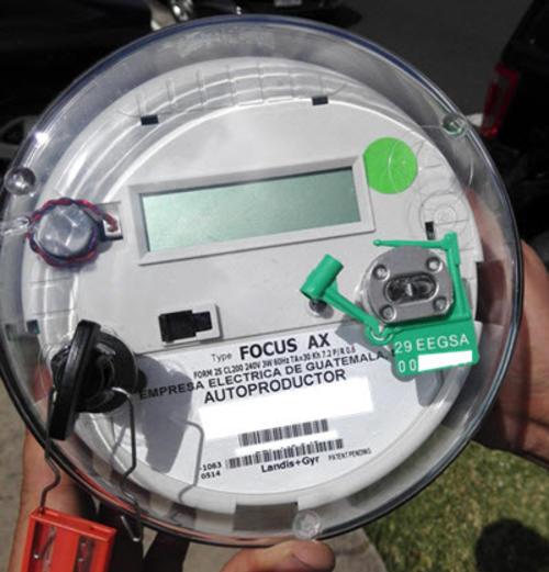 Este será el contador bidireccional que te instalarán porque con los paneles también generarás energía. (Foto: aisa.com.gt)